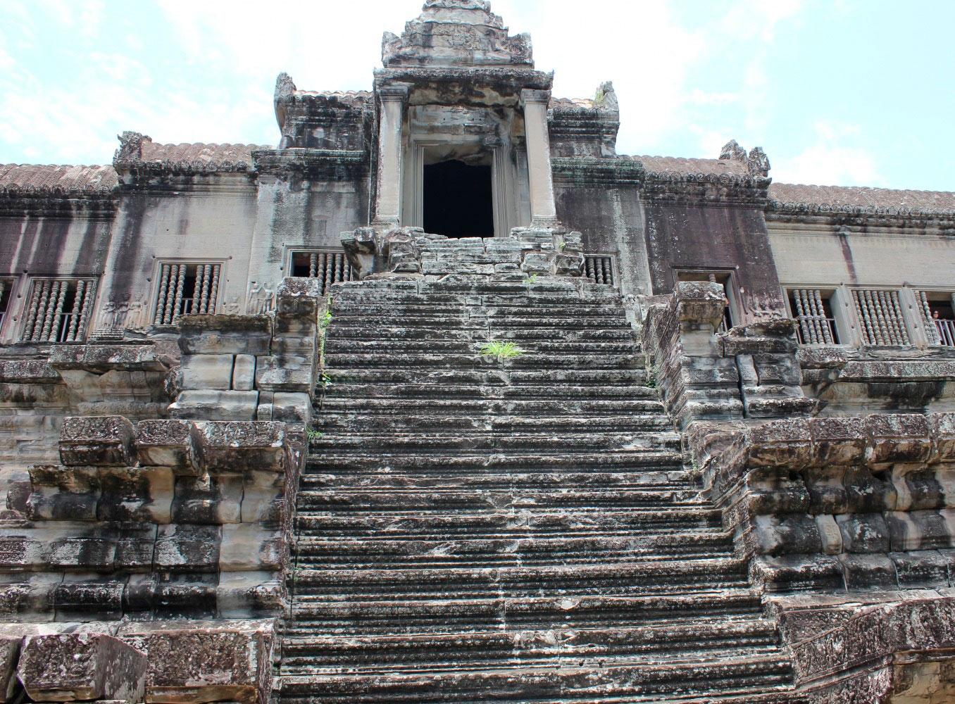 Лестница в Ангкор-Ват
