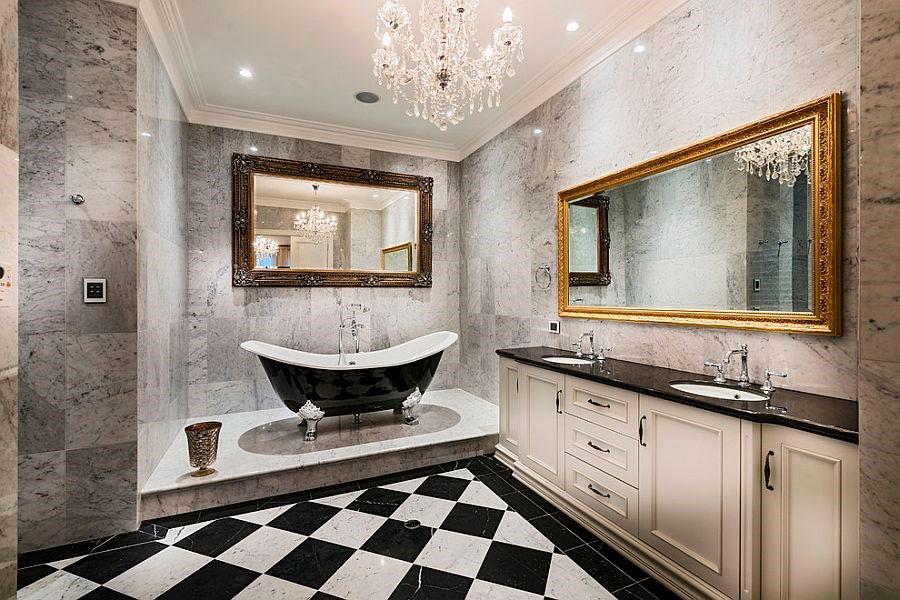 Роскошный дизайн ванной комнаты в черно-белый тонах и золотым оттенком [дизайн: Oswald Homes]