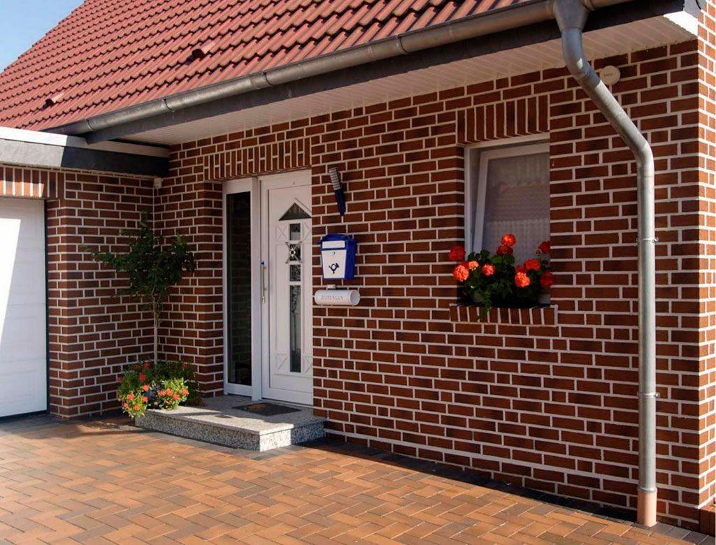 фасад дома с отделкой клинкерной термопанели