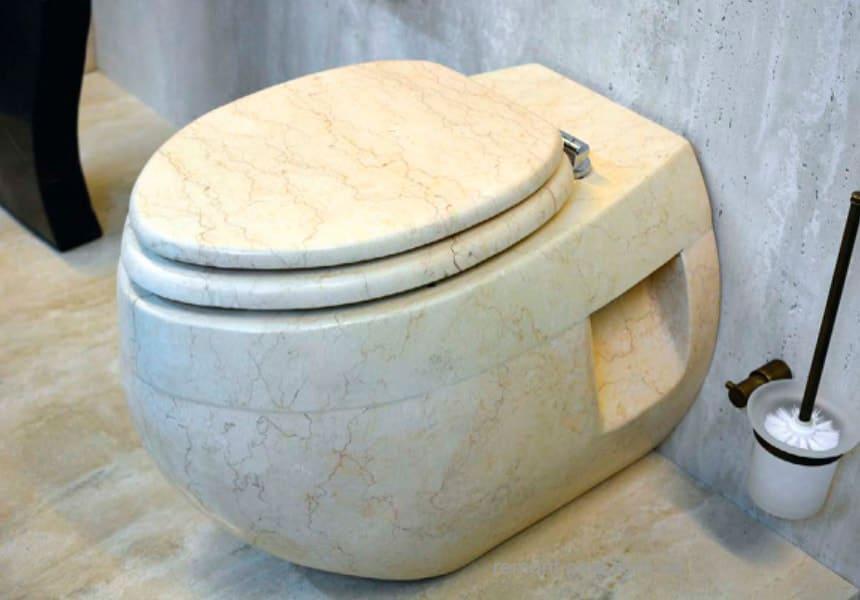 унитаз из мрамора (искусственного камня)