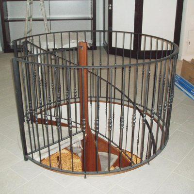 Brione винтовая лестница